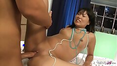 Real Thai Street Hooker Tear up Sans a condom by Big Dick Client