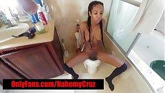 HOT EBONY FREAK DOES IT ALL l!!!!!!!
